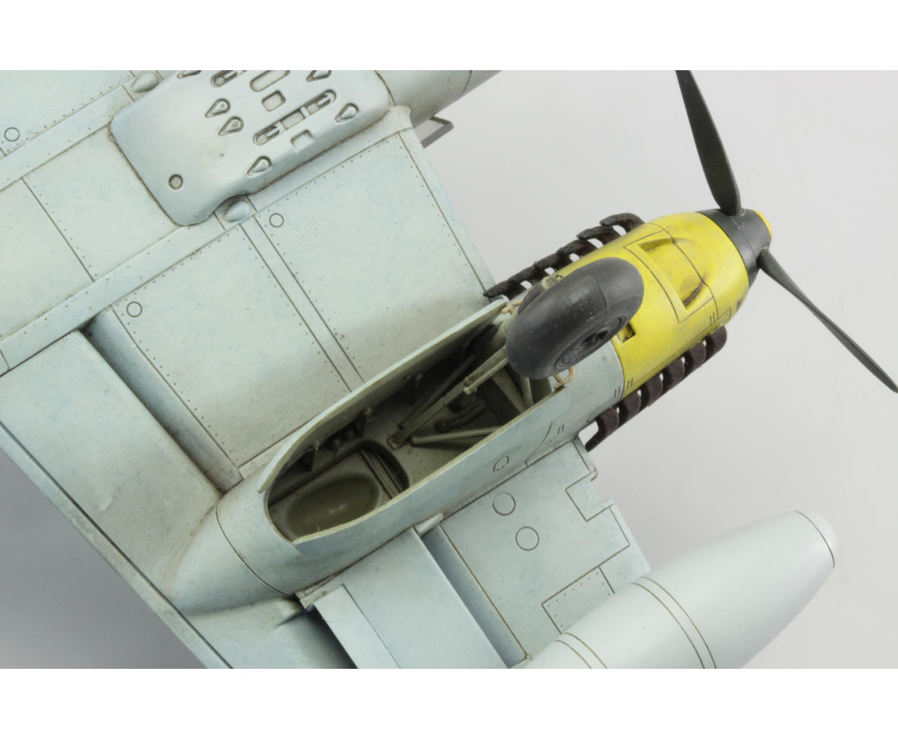 FIGHTERS OF IIWW 1//72 Atlas MESSERSCHMITT BF 110 E-2 HERBERT KUTSCHA 1942