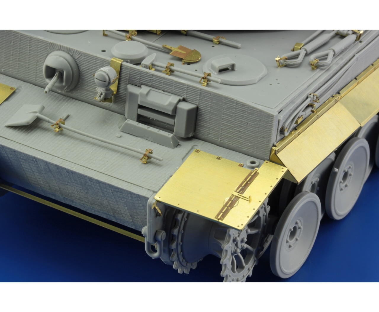 Eduard Models PE Zimmerit for 1//35 Tiger I Mid Production for Tamiya kit