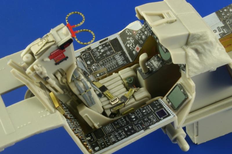 Aires 1//32 F-14A Tomcat Cockpit Set for Trumpeter kit