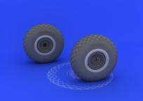 B-17 wheels  1/32 1/32