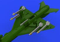 MiG-21用R-13Mミサイル w/パイロン 1/72