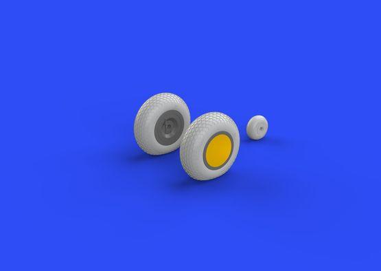 P-40 wheels w/ pattern  1/32 1/32  - 1