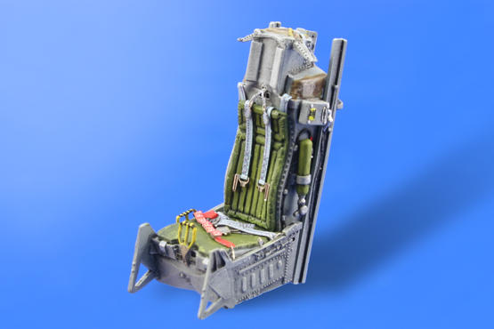 F-16 early seat  1/48 1/48  - 1