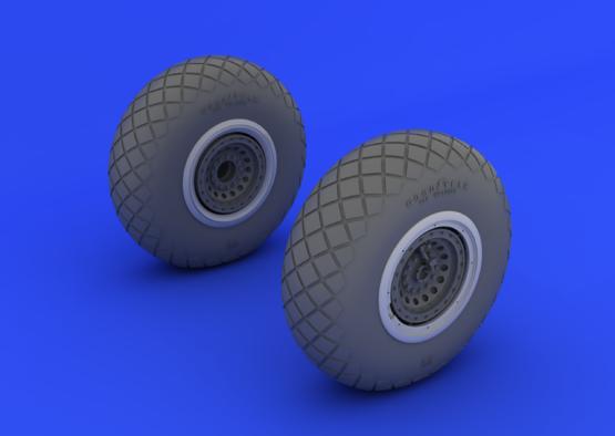 B-17 wheels 1/32  - 2