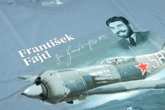 První doma + T-shirt František Fajtl (L) 1/48  - 3