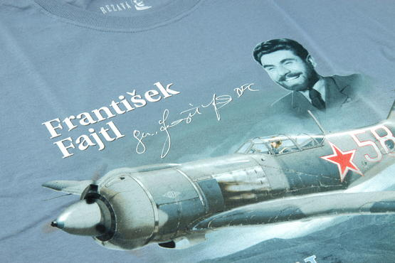 První doma + T-shirt František Fajtl (M) 1/48  - 3