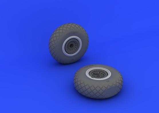 B-17 wheels 1/32  - 3