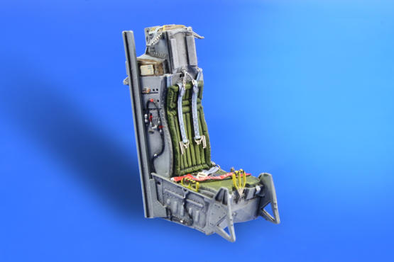 F-16 early seat  1/48 1/48  - 4