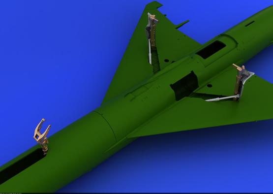 MiG-21 undercarriage legs BRONZE 1/48  - 4