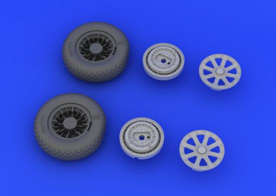 F4U-1 wheels 1/32  - 5
